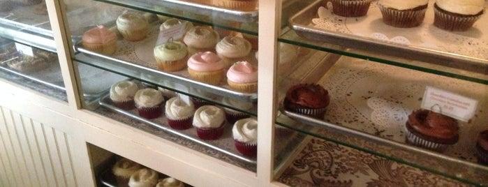 Magnolia Bakery is one of Best of New York (Manhattan + Brooklyn).