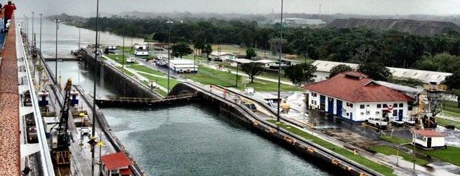 Canal de Panamá is one of Panamá.