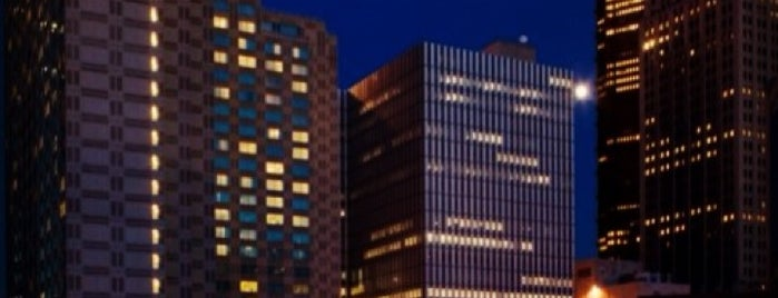 The Westin Convention Center, Pittsburgh is one of Locais curtidos por Jerry.