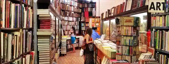 Libreria Canuda is one of Lieux sauvegardés par Raúl.