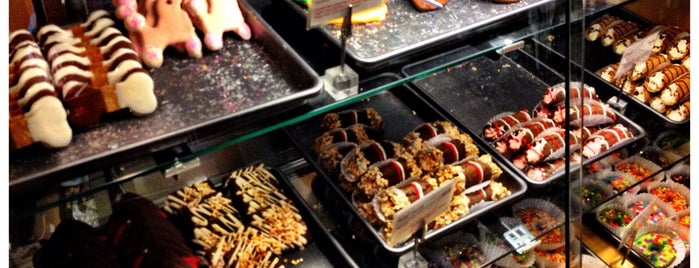Scraps Dog Bakery is one of Posti salvati di Leslie.