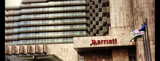Budapest Marriott Hotel is one of My recommendation.