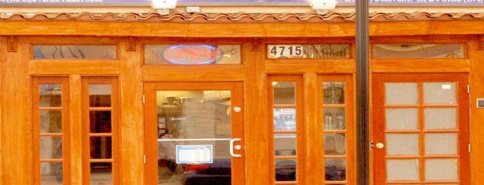 Greek Town Grill is one of Posti salvati di Rachel.