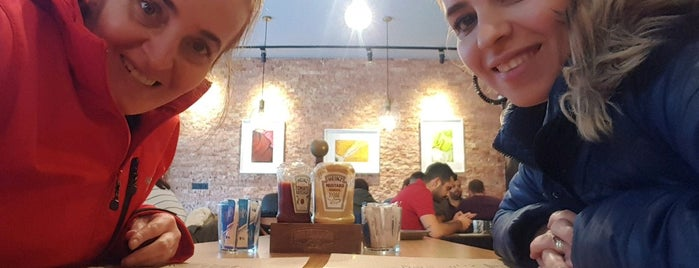 Bijon Cafe & Restaurant is one of Sanayi.