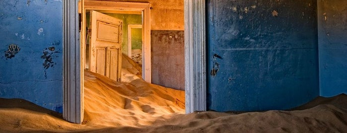 Kolmanskop is one of Far Far Away.