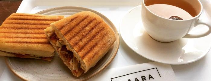 Caara Cafe is one of Lugares favoritos de Nataly.