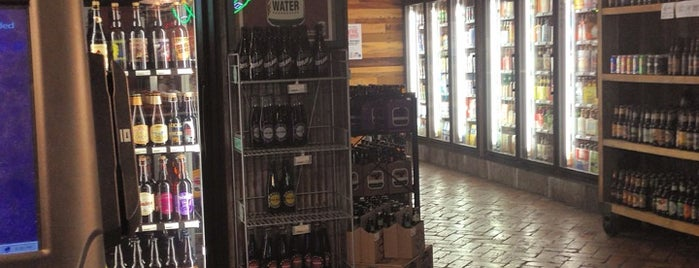 The Hopshop Beer Market is one of PA State College.