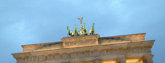 Porte de Brandebourg is one of Berlin..