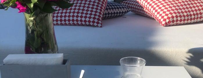 Moon Hotel & Beach & Lounge is one of Lieux qui ont plu à Dilara.