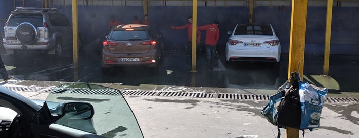 Beyhaghi Car Wash is one of Lieux qui ont plu à Haleh.