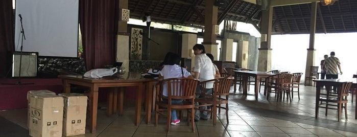 Kintamani Resto & Cafe is one of Lugares guardados de cicik.
