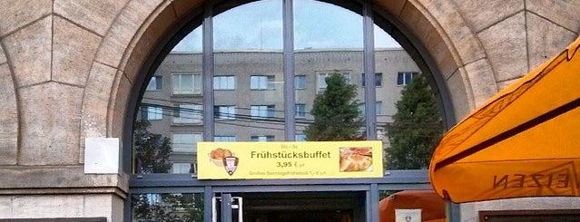 Volkshaus is one of Tempat yang Disukai Julia.
