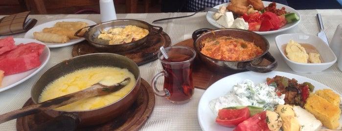 Kaşı Kumluk Balık Lokantası is one of Onur'un Beğendiği Mekanlar.