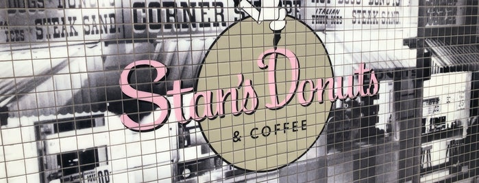 Stan's Donuts & Coffee is one of Orte, die Dustin gefallen.
