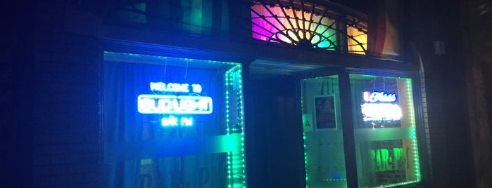 Bar PM is one of Orte, die Micheal gefallen.