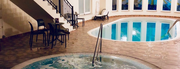 Hotel Centrál is one of Tempat yang Disukai Galia.