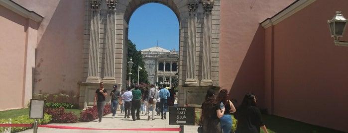 Dolmabahce Hazinekapı is one of Tempat yang Disukai Fadlul.