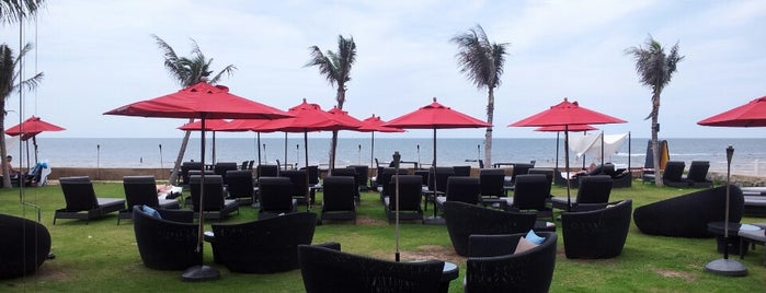 Shoreline Beach Club is one of Huahin.