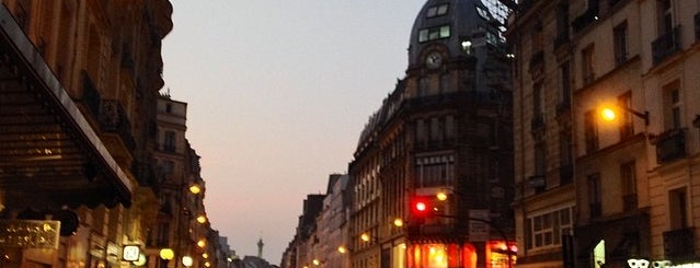 Rue du Faubourg Saint-Antoine is one of Amaury 님이 좋아한 장소.