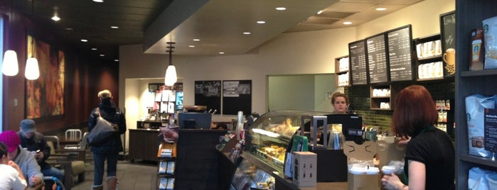 Starbucks is one of Lieux qui ont plu à Corey.