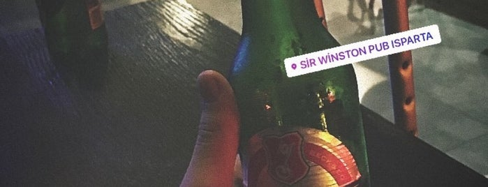 Sir Winston Pub is one of Gökhan T.さんのお気に入りスポット.