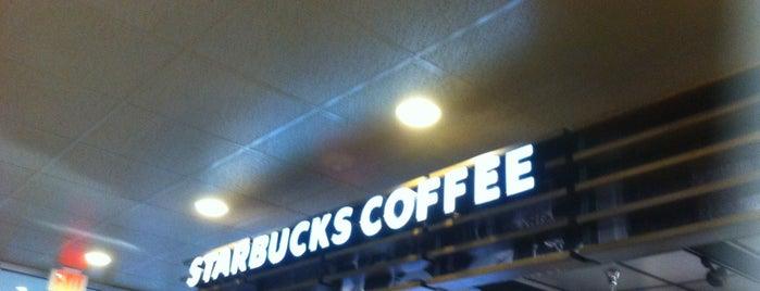 Starbucks is one of สถานที่ที่บันทึกไว้ของ Kireau.