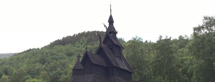 Borgund stavkyrkje is one of Tempat yang Disukai Jordi.