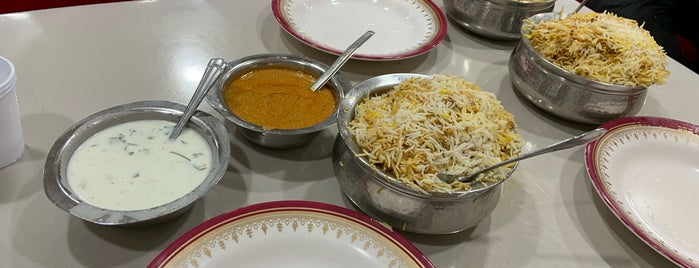 Shalimar Restaurant is one of Esraa: сохраненные места.