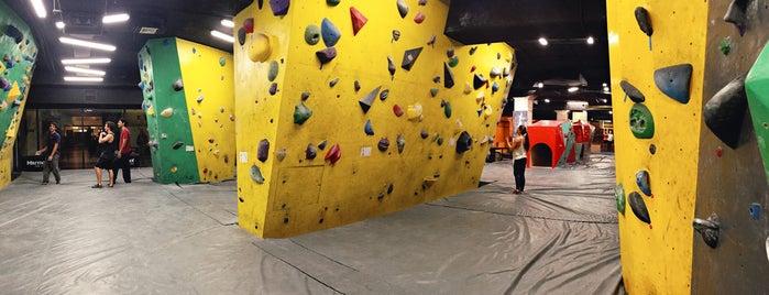 Zenit Climbing is one of สถานที่ที่บันทึกไว้ของ Ricardo.