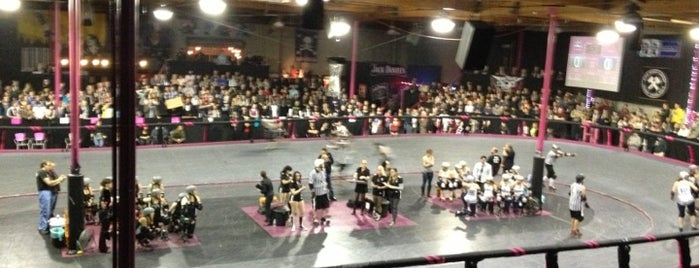Doll Factory (L.A. Derby Dolls) is one of Tempat yang Disimpan Steven.