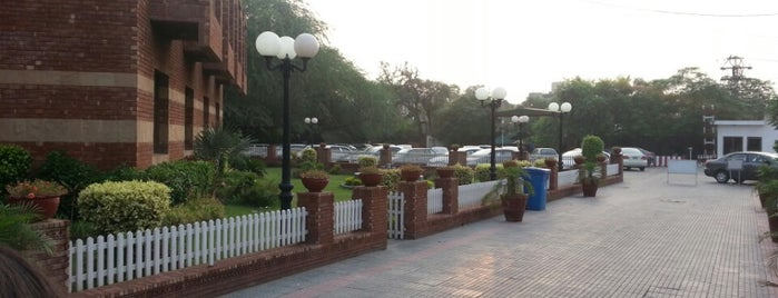Lahore Gymkhana is one of Restaurant.