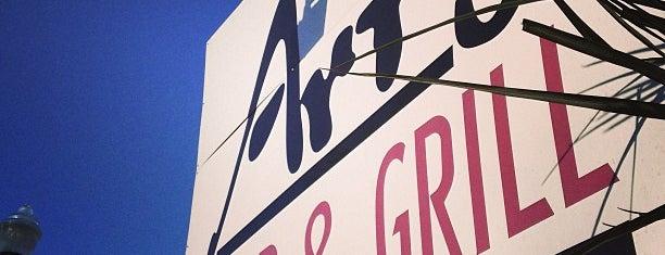Art's Bar & Grill is one of Tempat yang Disukai Danielle.