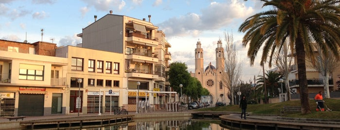 Plaça Del Bus Sant Pere De Ribes is one of สถานที่ที่บันทึกไว้ของ Foreveril.