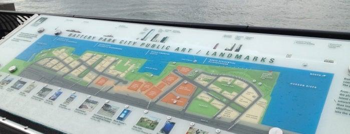 Battery Park is one of Lugares donde estuve en el exterior.