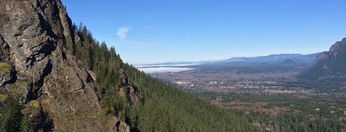 Rattlesnake Ledge Trail is one of Seattle Interns: Places.