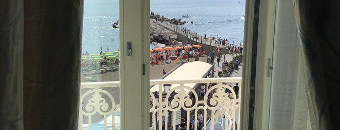 Hotel Residence is one of Posti che sono piaciuti a Fidel.