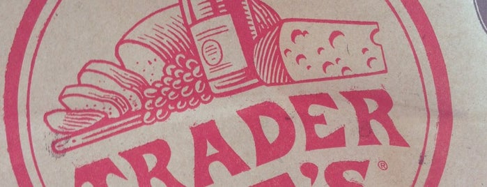 Trader Joe's is one of Locais curtidos por IrmaZandl.