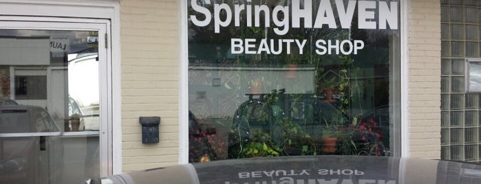 Spring Haven Beauty Shop is one of Lieux qui ont plu à James.