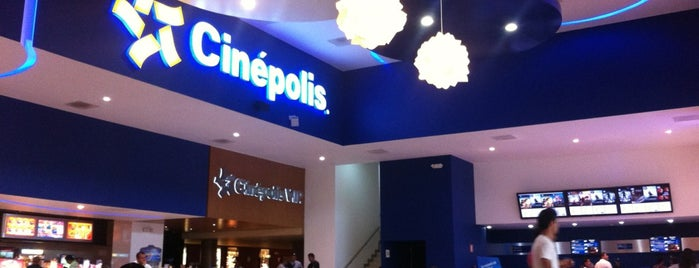 Cinépolis is one of Locais curtidos por Fernando.