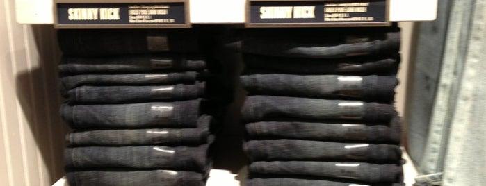 American Eagle Store is one of Posti che sono piaciuti a Sofia.