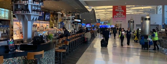 CBGB Newark Airport is one of Gespeicherte Orte von Lizzie.