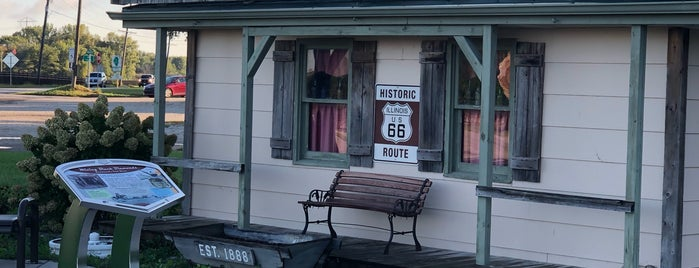 Illinois Route 66 Mining Museum is one of Chicagoland.