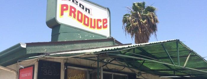 Leon Produce Market is one of Lugares favoritos de Veronica.
