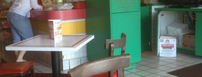 Blimpie Subs & Salads is one of Tempat yang Disimpan SofiaE 💛💙〽️.