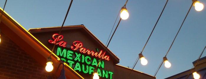 La Parrilla Mexican Restaurant is one of Lieux qui ont plu à Jennifer.