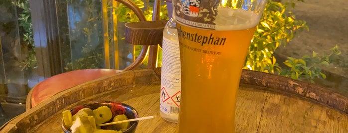 Mantar Pub is one of Orte, die Meftun gefallen.