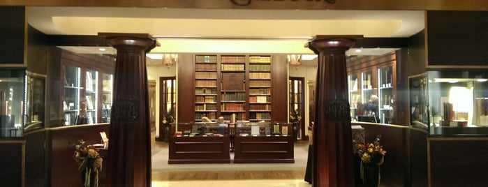 Bauman Rare Books is one of Lugares favoritos de Al.