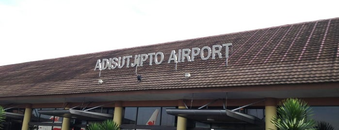 Adisutjipto International Airport is one of Remy Irwan : понравившиеся места.