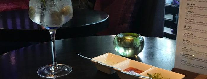 Restaurant Surya is one of Locais curtidos por Tonie.
