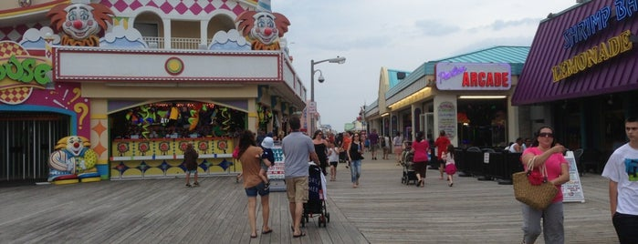 Point Pleasant Beach Boardwalk is one of Lugares favoritos de James.